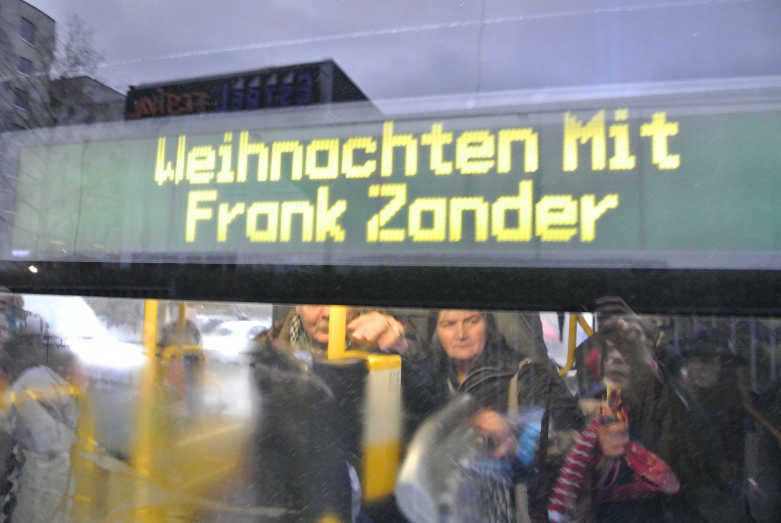 BVG - Bus: Sonderfahrt für Weihnachten mit Frank Zander