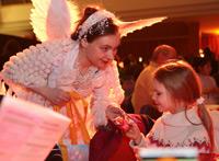 Engel und Mädchen